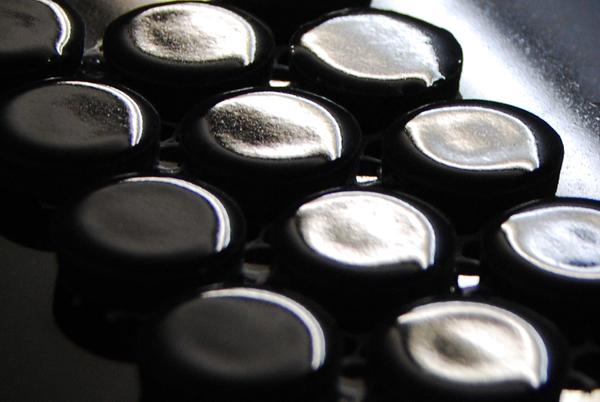 Black-gloss-3